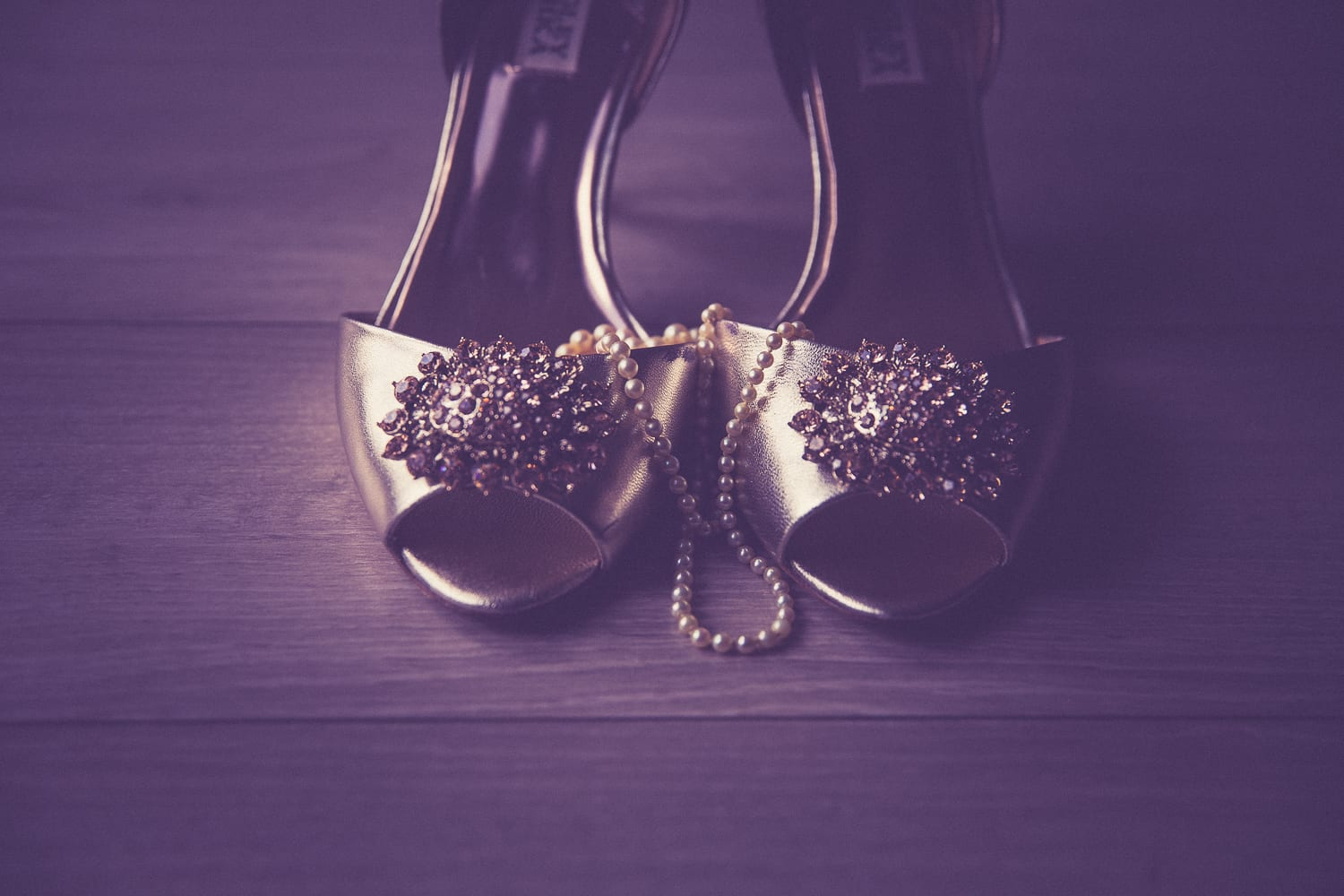 brides shoes with necklace