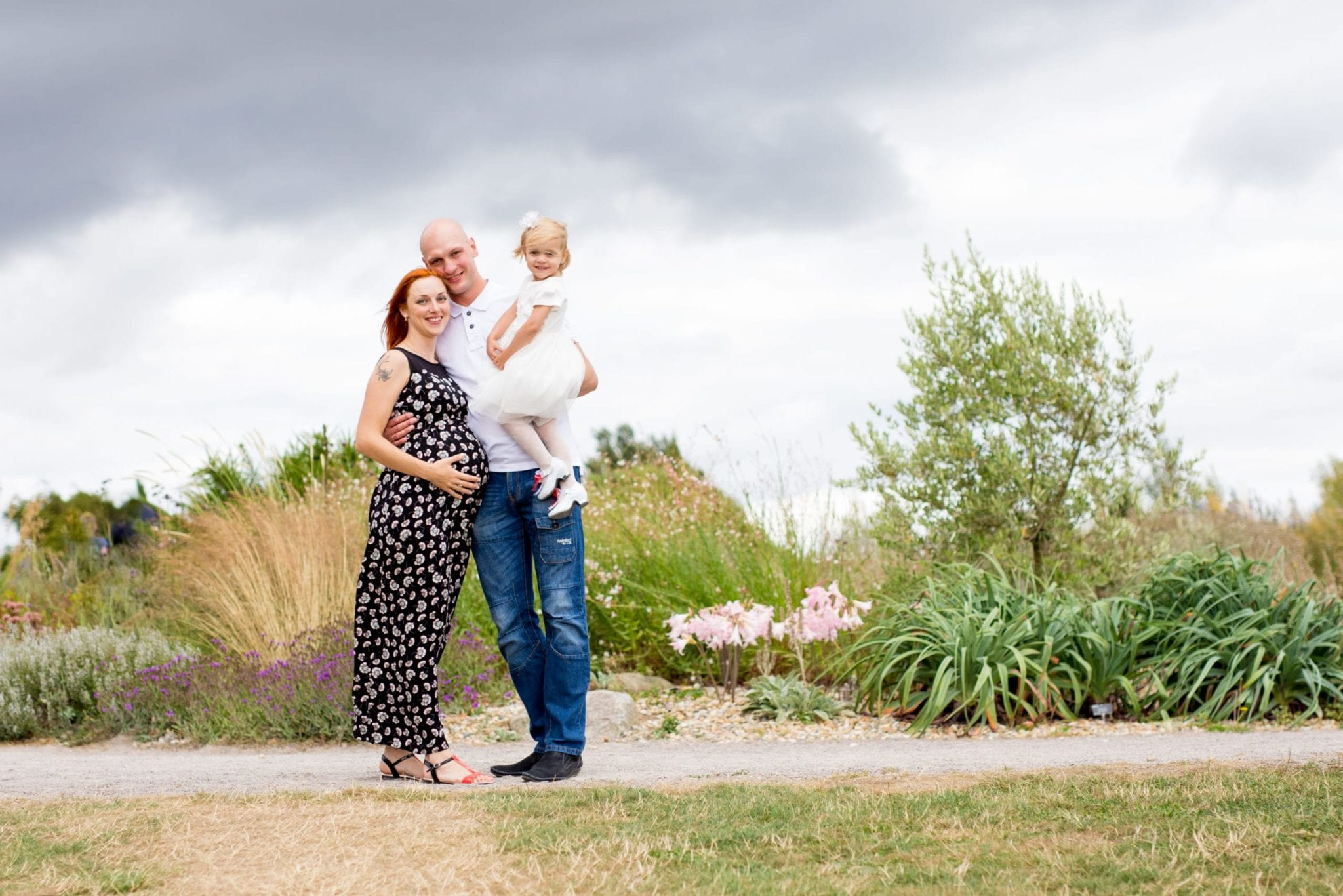 pregnant lady with husband and family